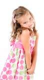 Förtjusande le liten flicka i den isolerade prinsessaklänningen Arkivbild