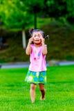 Förtjusande liten flickagråt Royaltyfri Foto