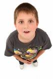 förtjusande pojke som 8 ser gammalt övre år royaltyfri bild