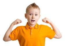 Förtjusande tio år gammal pojke med roligt framsidauttryck Royaltyfria Bilder