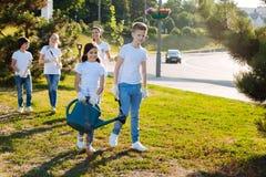 Förtjusta barn som gör deras uppgifter Royaltyfri Foto