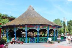 Förutom Les Chaudrons dragning på Park Asterix, Ile de France, Frankrike royaltyfri bild