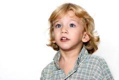 förvånad pojkeframsida arkivbild