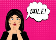 Förvånade komisk stil för popkonst kvinnan med anförandebubblan, stift upp flickaståenden, vektorillustration försäljning Royaltyfri Foto