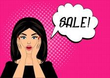 Förvånade komisk stil för popkonst kvinnan med anförandebubblan, stift upp flickaståenden, vektorillustration försäljning Arkivfoto