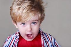 förvånadt barn för pojke royaltyfria foton