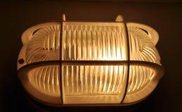 förvara i källare lampan Royaltyfria Bilder