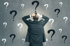 Förvirrings- och frågesportbegrepp royaltyfri bild