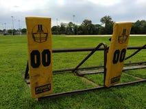 Fútbol americano, entrenamiento, bloqueando el trineo, Team Practice Fotografía de archivo libre de regalías