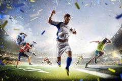 Fútbol americano y funcionamiento de los deportes del fútbol multi del collage fotografía de archivo libre de regalías