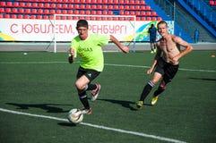 Fútbol del juego de los muchachos Imagen de archivo libre de regalías