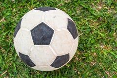 Fútbol en los campos verdes Imagen de archivo libre de regalías