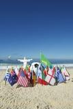 Fútbol Rio Brazil del fútbol de Cristo de las banderas de país internacional Fotos de archivo