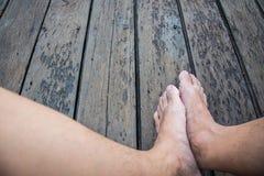 Füße auf Boden Stockbilder