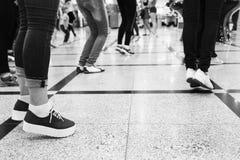 Füße des Leutetanzens Stockfoto