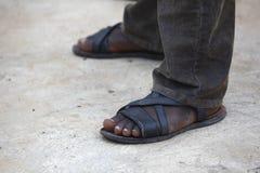 Füße eines afrikanischen Mannes lizenzfreies stockbild