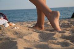 Füße eines Mädchens, Bodyparts Lizenzfreie Stockfotos