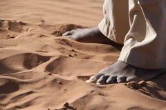 Füße im Sand lizenzfreie stockfotos