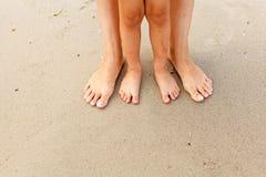 Füße im Sand Stockbilder