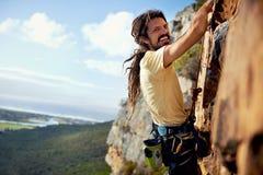 Fühlen sorglos - Natur und Rockclimbing Lizenzfreies Stockfoto