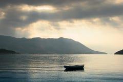 Führen der Strahlen durch die Wolken Lizenzfreies Stockfoto