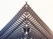 Führt traditionelle Dach-Architektur Japans Japaner-Glanz einzeln auf Stockfotografie