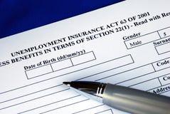 Füllen der Arbeitslosenversicherunganwendung stockfoto