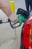 Füllen herauf Auto mit Gas Lizenzfreies Stockfoto