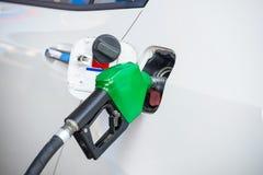 Füllen Sie Kraftstoff auf Stockbilder