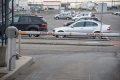 Füllen Sie nur parken am Wien-Flughafen in Österreich an lizenzfreie stockfotos