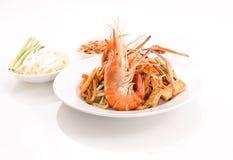 Füllen Sie thailändischen, angebratenen Reisnudelteller mit Garnele auf Lizenzfreies Stockbild