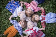 Fünf ausdrucksvolle Puppen Lizenzfreies Stockbild