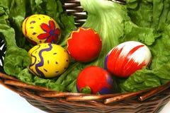 Fünf farbige Eier Stockfoto