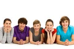 Fünf junge Leute Lizenzfreie Stockfotos