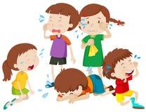 Fünf Kinder, die mit Rissen schreien Stockbilder