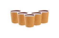 Fünf machten Kaffeetasse über weißem Hintergrund in Handarbeit Stockbild
