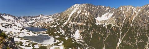 Fünf See-Tal in den polnischen Tatra-Bergen im Frühjahr Lizenzfreies Stockfoto