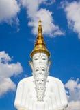 Fünf sitzende Buddha-Statuen bei Wat Pha Sorn KaewWat Phra Thart Pha Kaewin Khao Kho, Phetchabun, Norden-zentrales Thailand Lizenzfreie Stockbilder