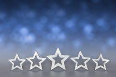 Fünf Sterne Blau unscharfes copyspace Lizenzfreie Stockfotos