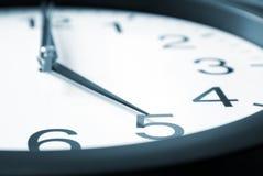 Fünf Uhr stockfotografie
