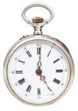Fünf Uhr auf Skala der Retro- Uhr Lizenzfreie Stockfotos