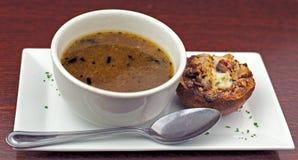 Fünf Zwiebelen-Suppe stockfoto