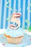 Fünfter Geburtstag des Jungen Stockfotos