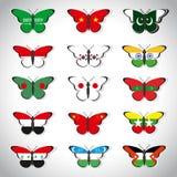 Fünfzehn Schmetterlinge mit Flaggen von asiatischen Ländern Stockfoto