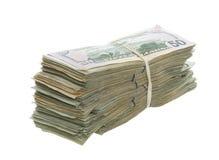 Fünfzig Dollarscheine zusammen gestapelt und mit einem Band versehen Stockfotos