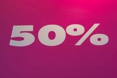 Fünfzig Prozent weg vom Preis Stockfoto