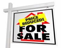 Für Verkaufspreis verringertes Haupthaus-Real Estate-Zeichen 3d Illustrati Lizenzfreies Stockbild