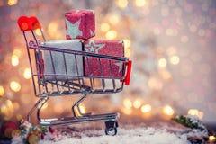 Für Weihnachten im Verkauf Mitternachtskaufen Stockfotos