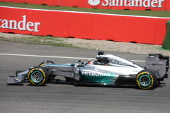 F1 αυτοκίνητο της Mercedes Formula 1 φωτογραφιών: Lewis Χάμιλτον Στοκ εικόνα με δικαίωμα ελεύθερης χρήσης