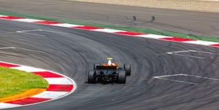 F1在种族的赛车 库存图片